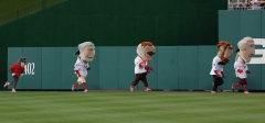 "Panther ""That Cat"" chases the Washington Nationals racing presidents"