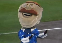 Washington Nationals racing president Teddy Roosevelt does the Hula