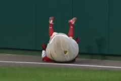 Washington Nationals Presidents Race: Teddy Tackles Jefferson