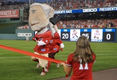 George Washington wins the Washington Nationals Presidents Race
