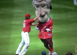 Jayson Werth interferes with the Nationals presidents race