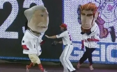 Jayson Werth of the Washington Nationals Interferes with the Presidents Race