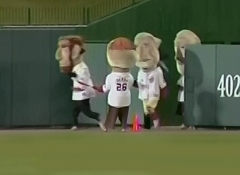 Washington Nationals Racing President Teddy Roosevelt tries a presidents race misdirection play