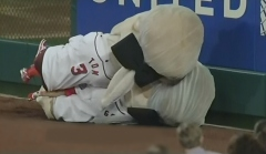 Washington Nationals Presidents Race: George Washington tackles Thomas Jefferson in the outfield on Emancipation Day