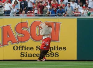 Presidents Race Teddy Runs the wrong way