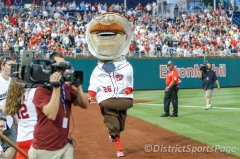 Presidents Race Teddy Roosevelt Loses with bulging pants
