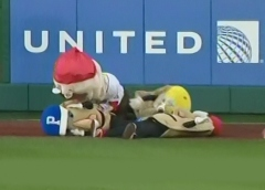 Washington Nationals racing presidents Teddy Roosevelt tackles Pittsburgh Pirates racing Pierogies