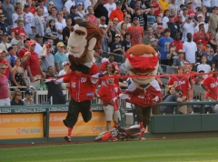 13th Inning Presidents Race Teddy on Motorcycle Runs out of Gas Abe Wins