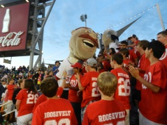 Nationals Teddy Roosevelt visits Let Teddy Win fans from Texas at Nationals Park