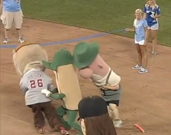 Great Mascot Race at the All Star Game - Teddy Roosevelt Milwaukee Sausage and Relish
