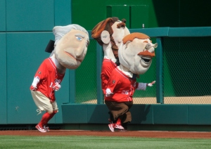 Nationals presidents race - George Washington shoves Abe Lincoln and Teddy Roosevelt