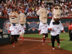 Washington Nationals Racing Presidents running left