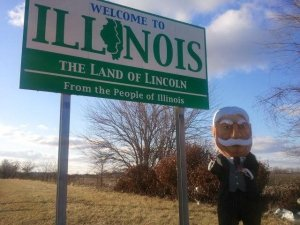 Racing President William Howard Taft reaches Illinois