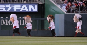 Washingtion Nationals Racing Presidents Run Left