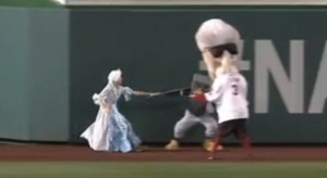 Martha Washington hands off to the Rally Pigeon Washington Nationals racing presidents