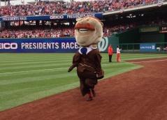 Racing President Teddy Roosevelt wins Washington Nationals Presidents Race