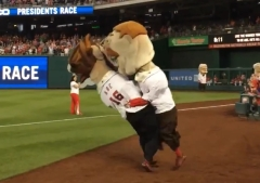 Nationals racing president Teddy Roosevelt Clobbers tackles Abe Lincoln 002