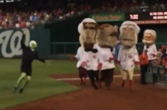 Alien in Washington Nationals Presidents Race