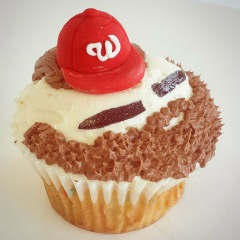 The HarpCake cupcake at Nationals Park by Fluffy Thoughts