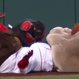 Video: Abe Lincoln enlists Ant Man to knock out Nats' presidents race competition