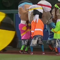 Weekend Videos: Pac-Man eats the racing presidents, cherry turnovers and more