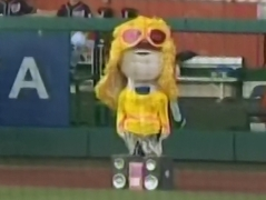 Racing presidents walk like an Egyptian 80s Night Teddy Roosevelt