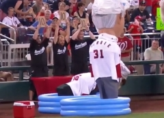 Nats Olympic Synchronized Presidents Race Diving