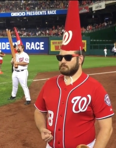 nationals-presidents-race-garden-gnomes