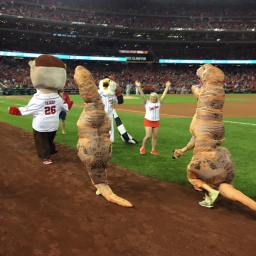 Video: Teddy's postseason dominance continues as two T-Rex chase down the racing presidents