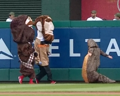 Jabba the Hut tackles Nationals Racing Presidents Star Wars Day