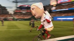 Washington Nationals Racing Presidents Race on bicycles